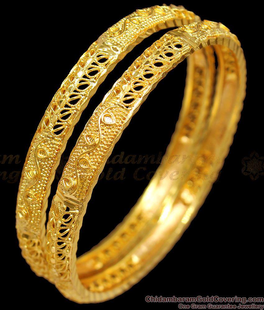 BR1224-2.6 Womens Favorite Leaf Design Gold Imitation Bangles Bridal Ornament